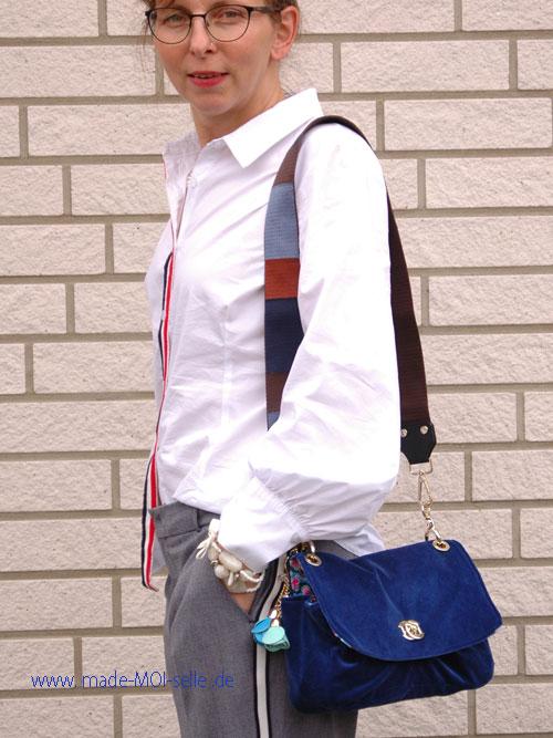 blaue Tasche Skady aus Samt