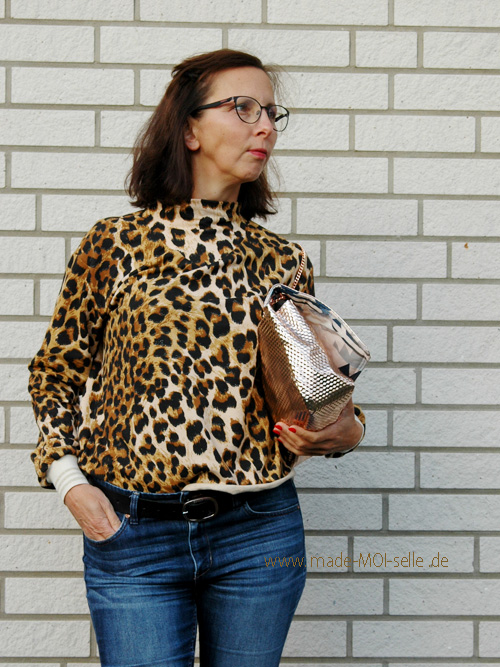 Sweater Vivi mit Tasche Skady