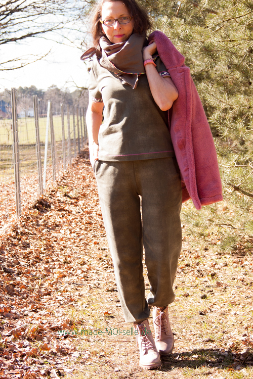 Joggingpants Edda und Shirt Greata mit Mantel